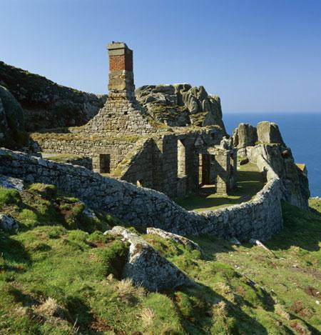 Chalé antigo da ilha, que revebe a visita de mais de 20 mil pessoas por ano. Foto de Joe Cornish/NTPL